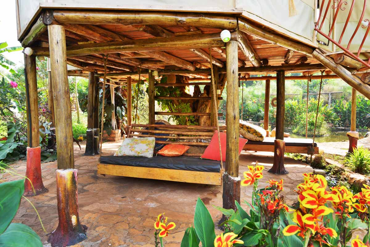 <i><font face=sans-serif>Relaxation beds hanging under the Tree House.</font></i>